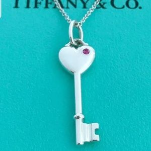 TIFFANY SMALL KEY CHARM /NECKLACE / PINK SAPPHIRE